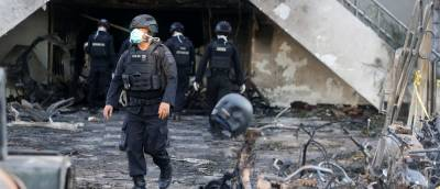 b2ap3_thumbnail_Police-At-The-Scene-Of-A-Bombing-In-Indonesia.jpg