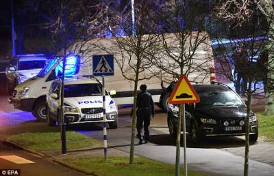 b2ap3_thumbnail_Swedish-police-station-is-rocked-by-a-hand-grenade-attack.jpg