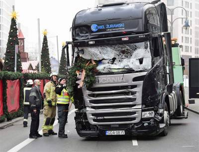 b2ap3_thumbnail_The-truck-that-crashed-through-a-Christmas-market-in-central-Berlin-.jpg