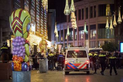 b2ap3_thumbnail_dutch-police-say-multiple-people-injured-in-hague-stabbing.jpg